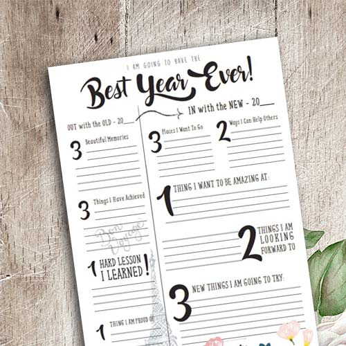 The reflection planner is a great way to reminisce your wins from your past year and things you want to achieve for the new year.