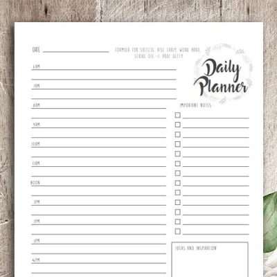 This daily planner is more than your regular daily planner. It includes extra sections to fill in your extra goals and tasks, to-do list or thoughts.